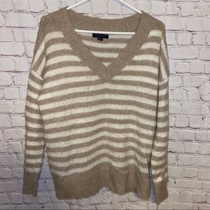 American eagle jegging fit sweater size small